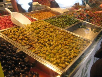 All kinds of olives